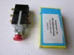 Nr: 101-0027- Trabant 601- Elakadásjelző kapcsoló- Warnblinkschalter- Switch safety reflector- 10 EUR